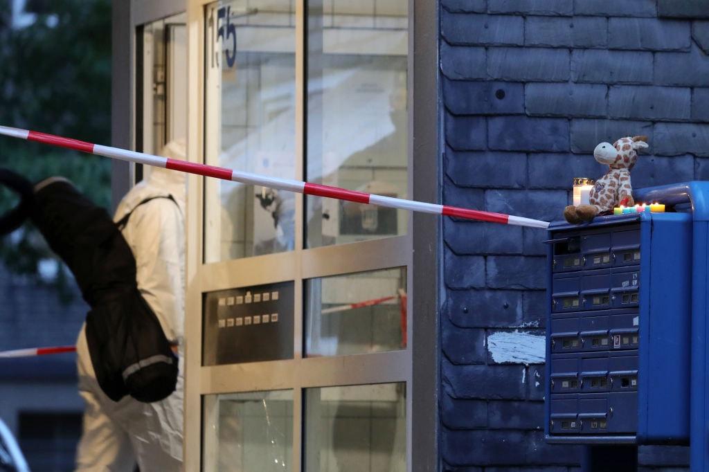 Cinque fratellini trovati morti in casa