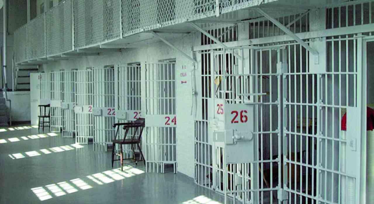 Napoli carcere innocente intercettazione