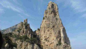 pedra longa arrampicatore