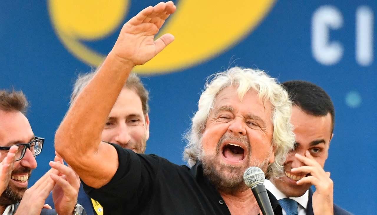 Beppe Grillo lascia Politica