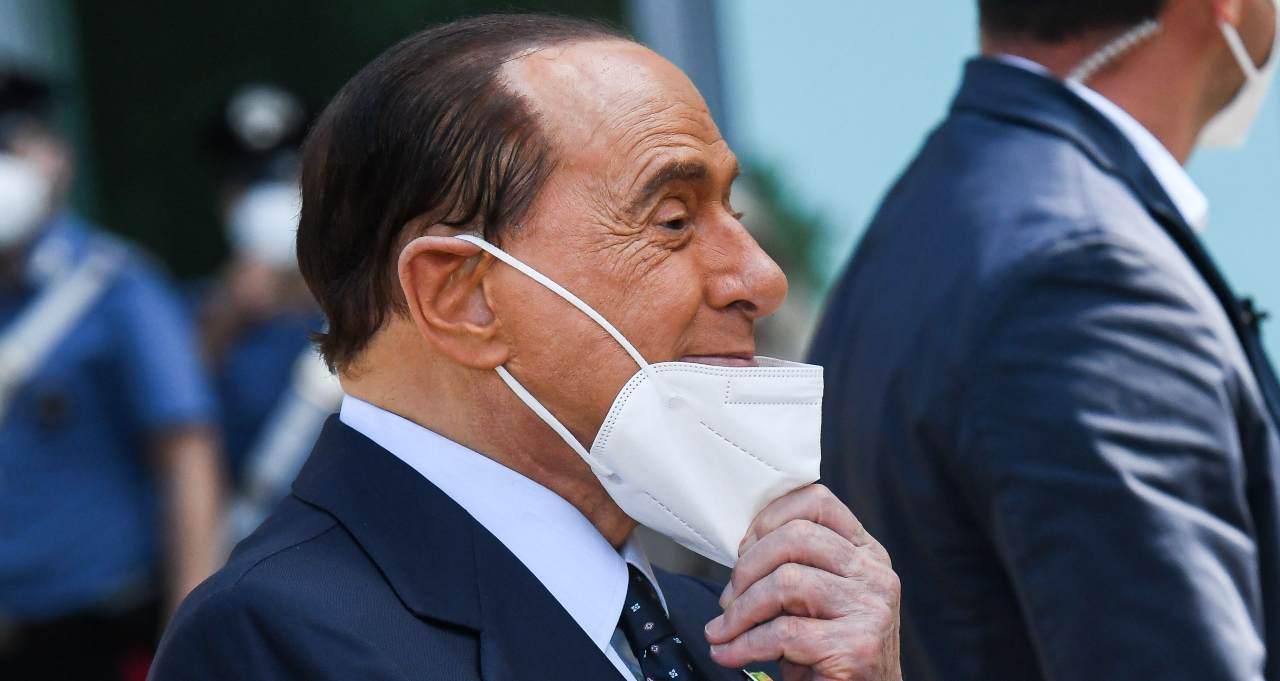 Sondaggi Politici Silvio Berlusconi