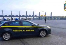Camorristi con il reddito di cittadinanza: blitz e maxisequestro a Napoli