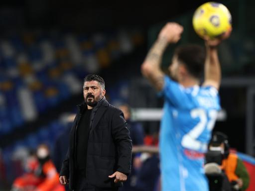 Napoli-Parma 2-0, i partenopei salgono a 37 punti