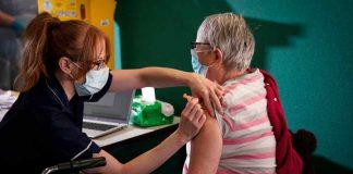 dubbi sull'efficacia del vaccino astrazeneca negli over 65: arriva la precisazione