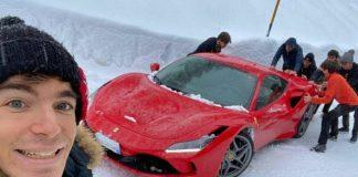 ferrari bloccata neve