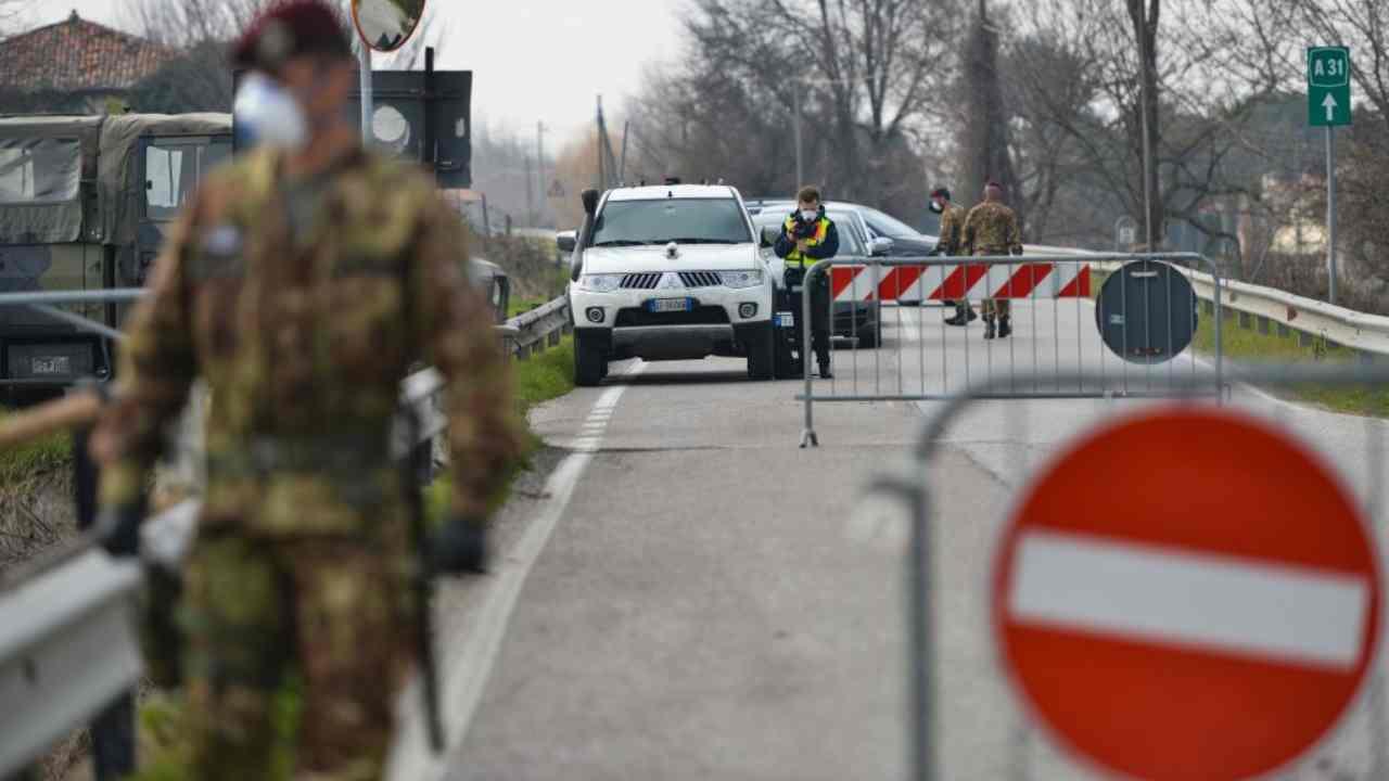 Lockdown o zone rosse mirate: il governo Draghi studia il piano anti-Covid