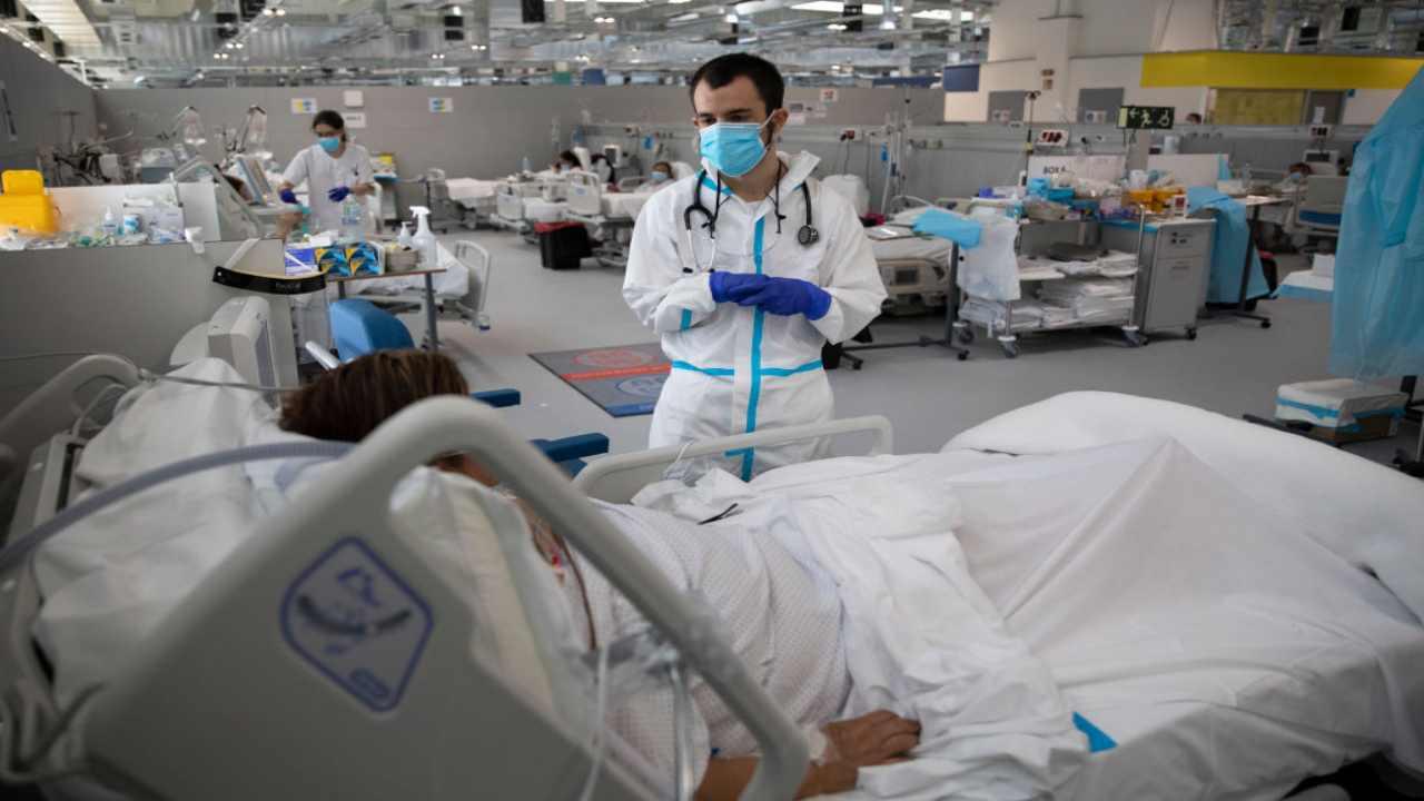 Covid 19, in undici regioni è allarme nelle terapie intensive: il dato