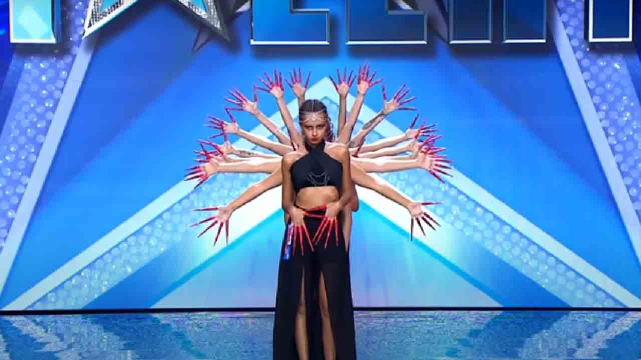 Black Widow, chi sono le ballerine orientali su Italia's Got Talent 2021 (Screenshot)