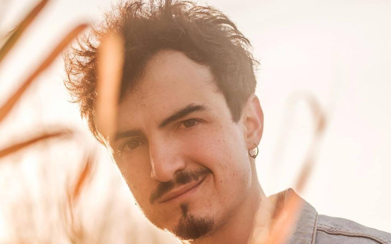 Sanremo 2021 |  chi è Folcast |  il giovane romano tra le Nuove proposte