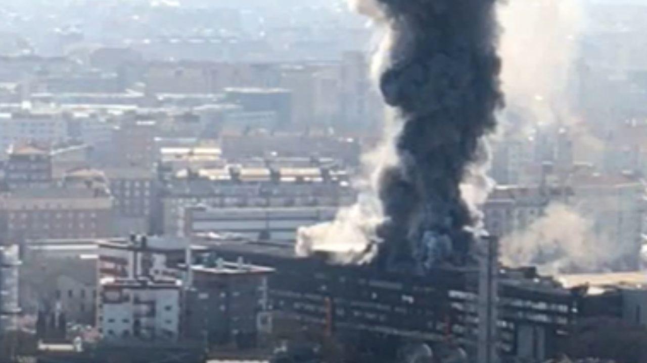 Incendio ex centro direzionale Fiat Torino