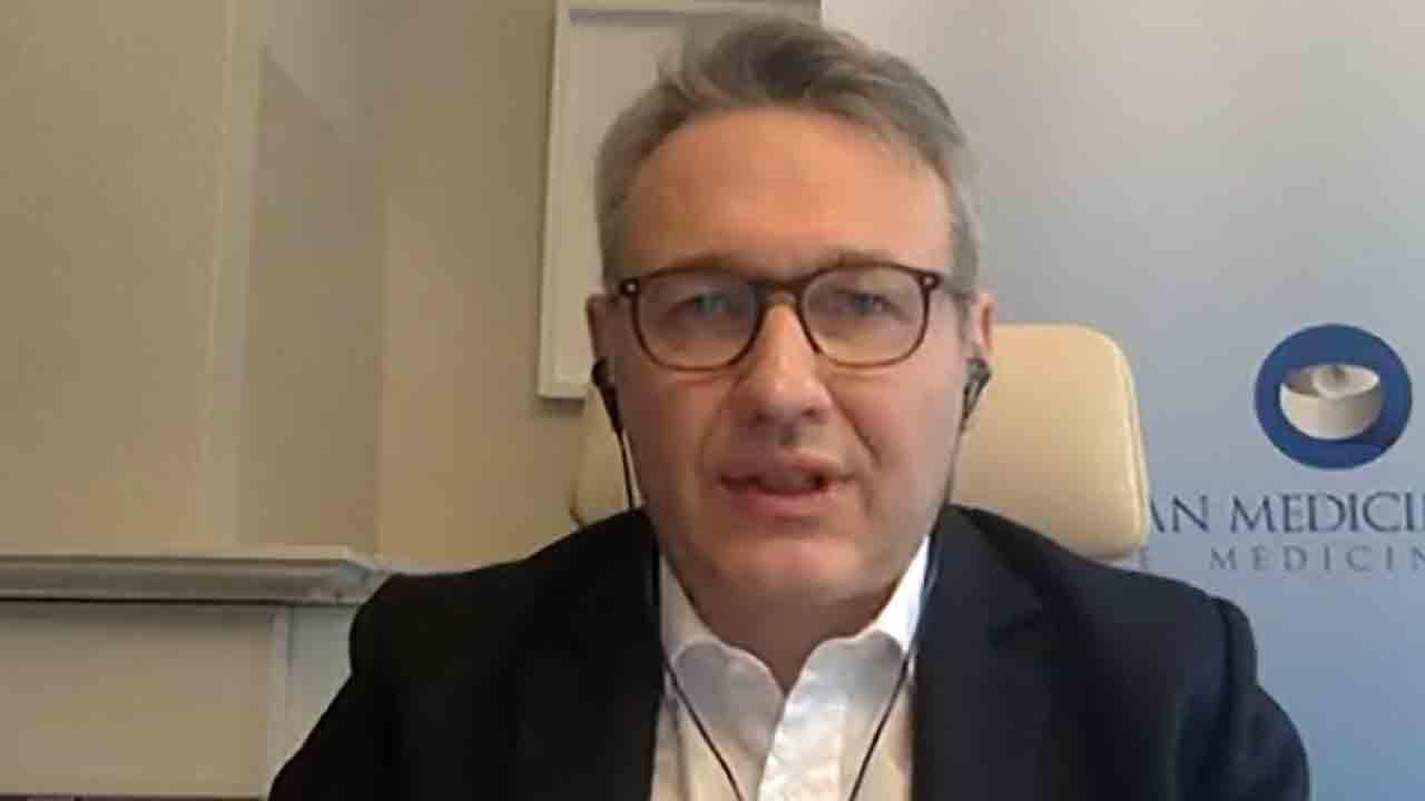 Marco Cavaleri, chi è il Responsabile della strategia per le minacce alla salute e i vaccini dell'EMA (Screenshot)