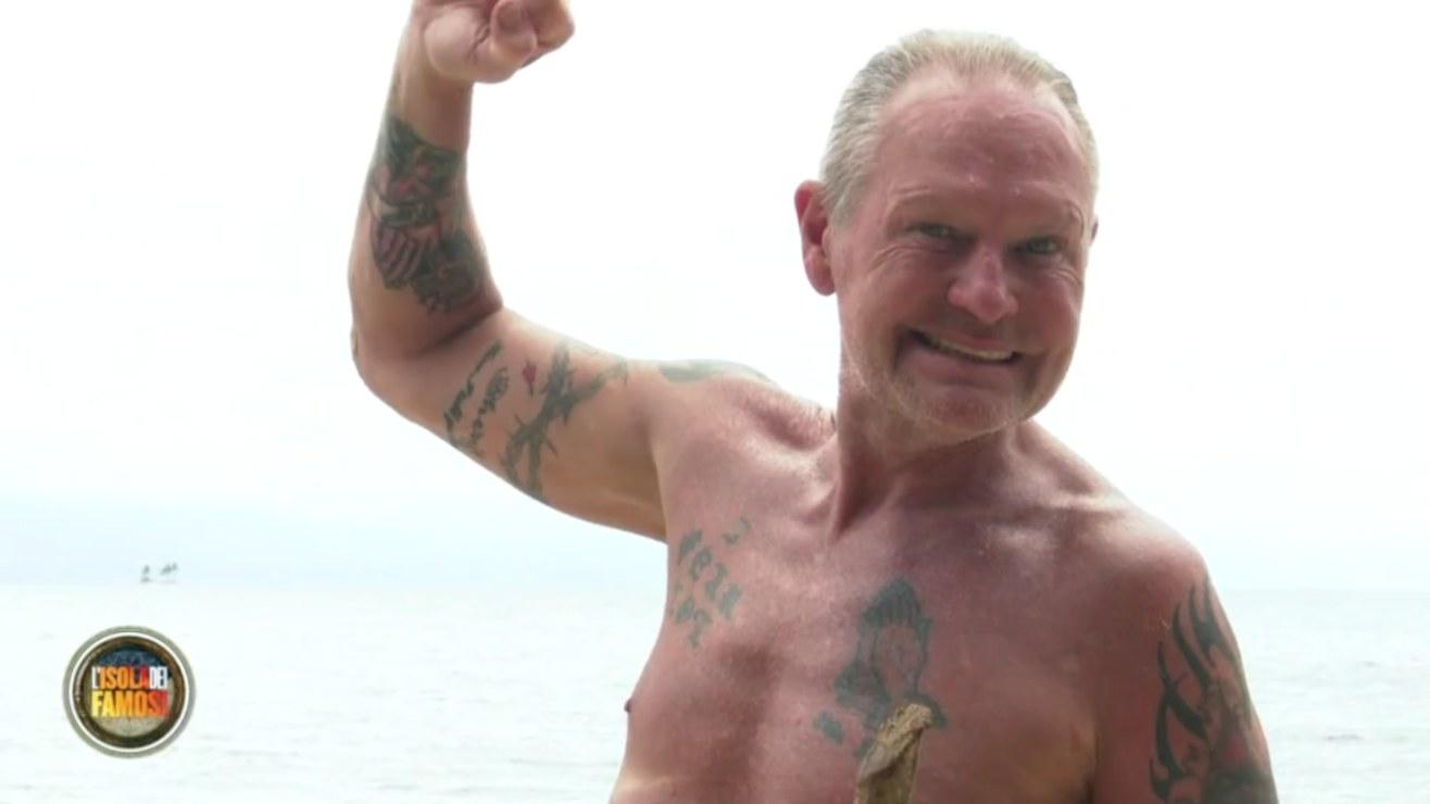 Isola Famosi infortunio Paul Gascoigne