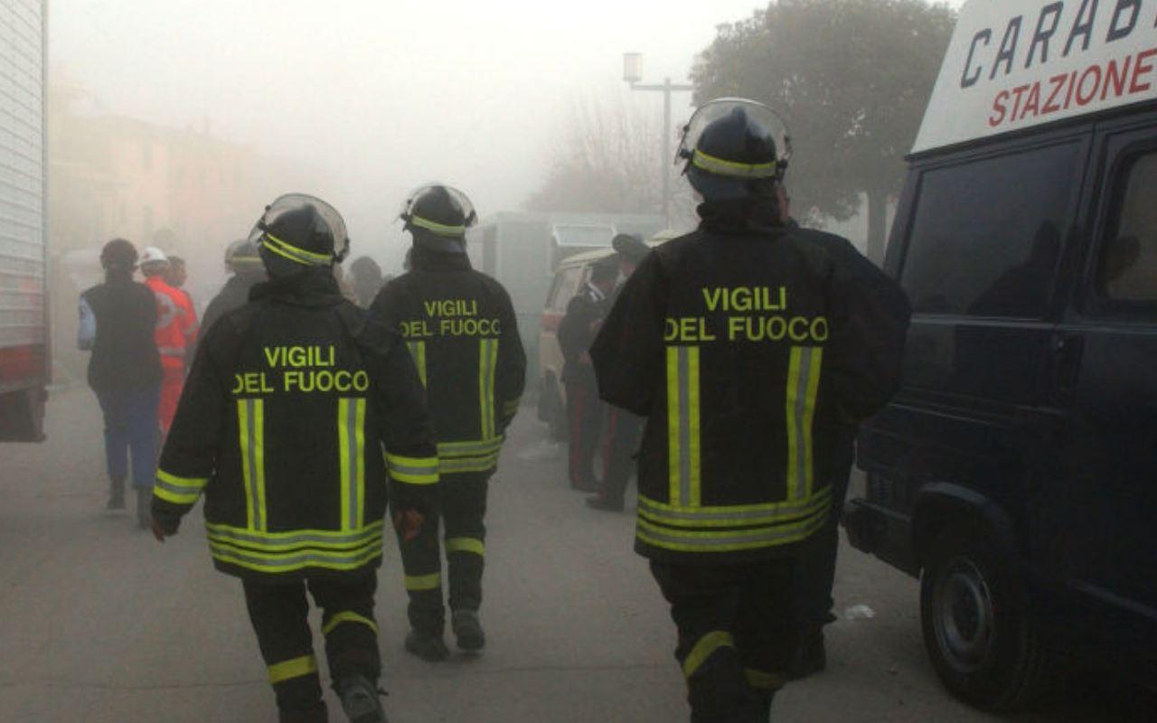 Salerno incendio battipaglia