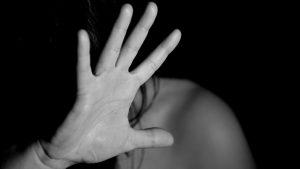 Per 6 mesi con la madre morta in casa a Olbia, assolto dalle accuse il figlio