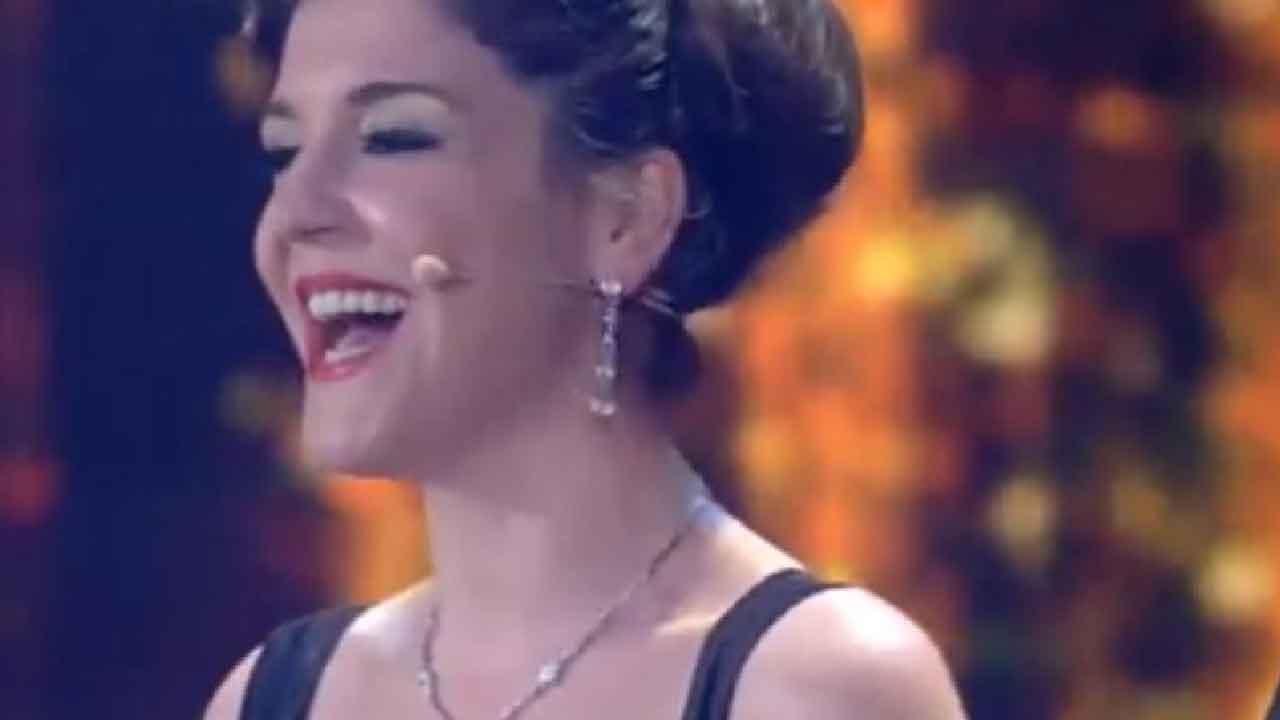 Gigi Proietti, chi è la figlia d'arte Carlotta aspirante attrice e cantante (RaiPlay)