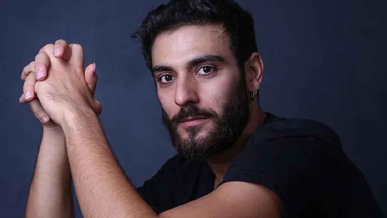 """Eugenio Mastrandrea, chi è il protagonista della serie """"La Fuggitiva"""" (Jdl Management)"""