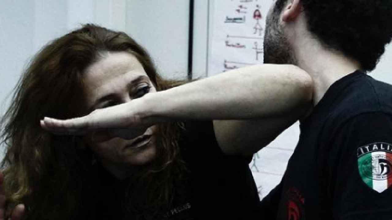 Gabrielle Fellus, chi è l'istruttrice di Krav Maga che insegna alle donne vittime di abusi (Instagram)