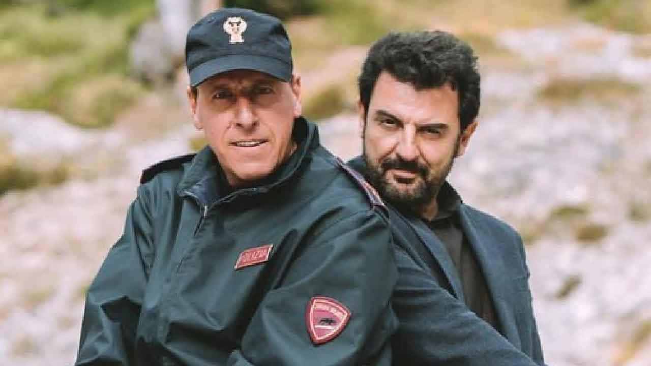 Gianmarco Pozzoli, il personaggio di Huber ha un tratto distintivo dell'attore (Instagram)
