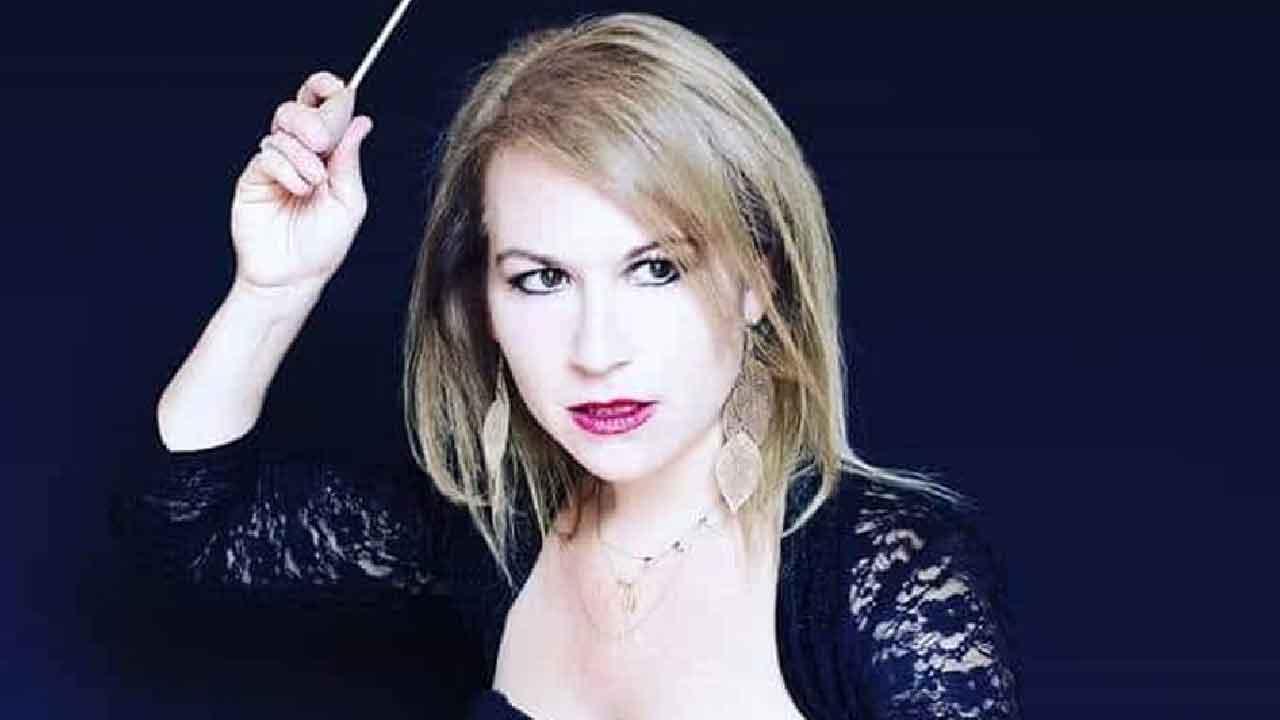 Maria Luisa Macellaro La Franca, la direttrice d'orchestra si candida in Francia (Facebook)