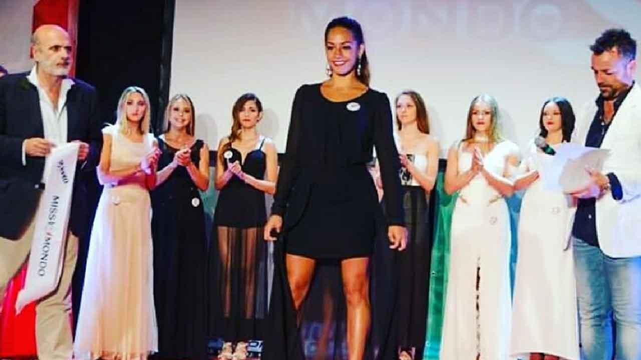 Rosa Di Grazia, l'ex concorrente di Amici 2021 ha partecipato a Miss Mondo (Novella 2000)