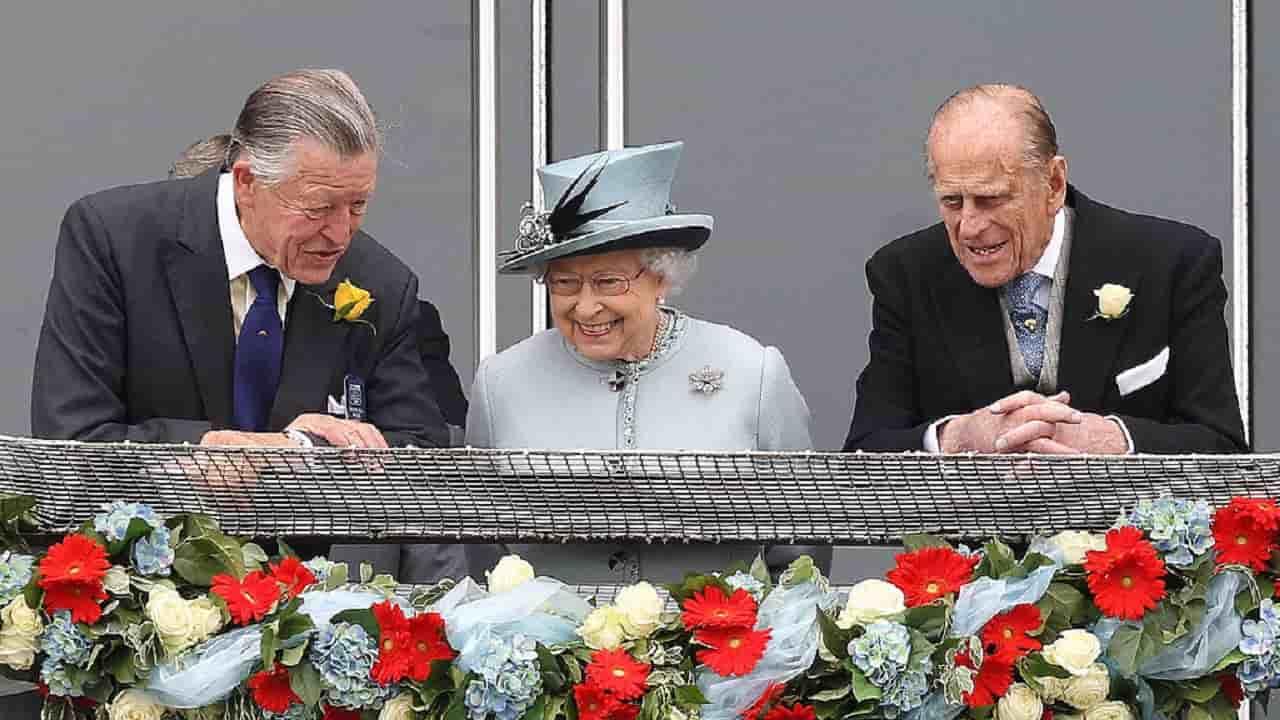 Royal Family, nuovo lutto per la Regina Elisabetta: era un uomo importante