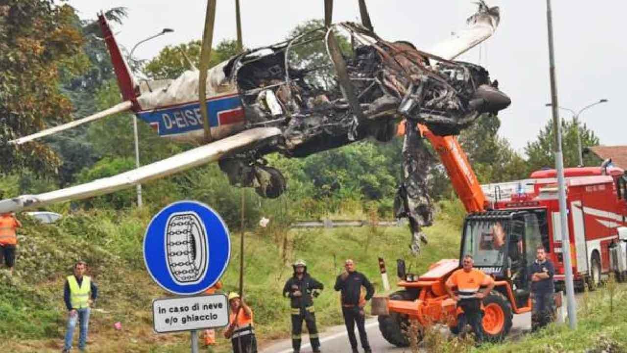 Incidente aereo, persero la vita padre e figlia nell'impatto, soccorse da due uomini le due figlie sono riuscite a salvarsi (IlGiorno)