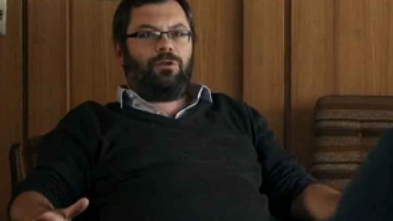 Gianluca Falanga, chi è lo scrittore italiano che vive a Berlino (Screenshot)