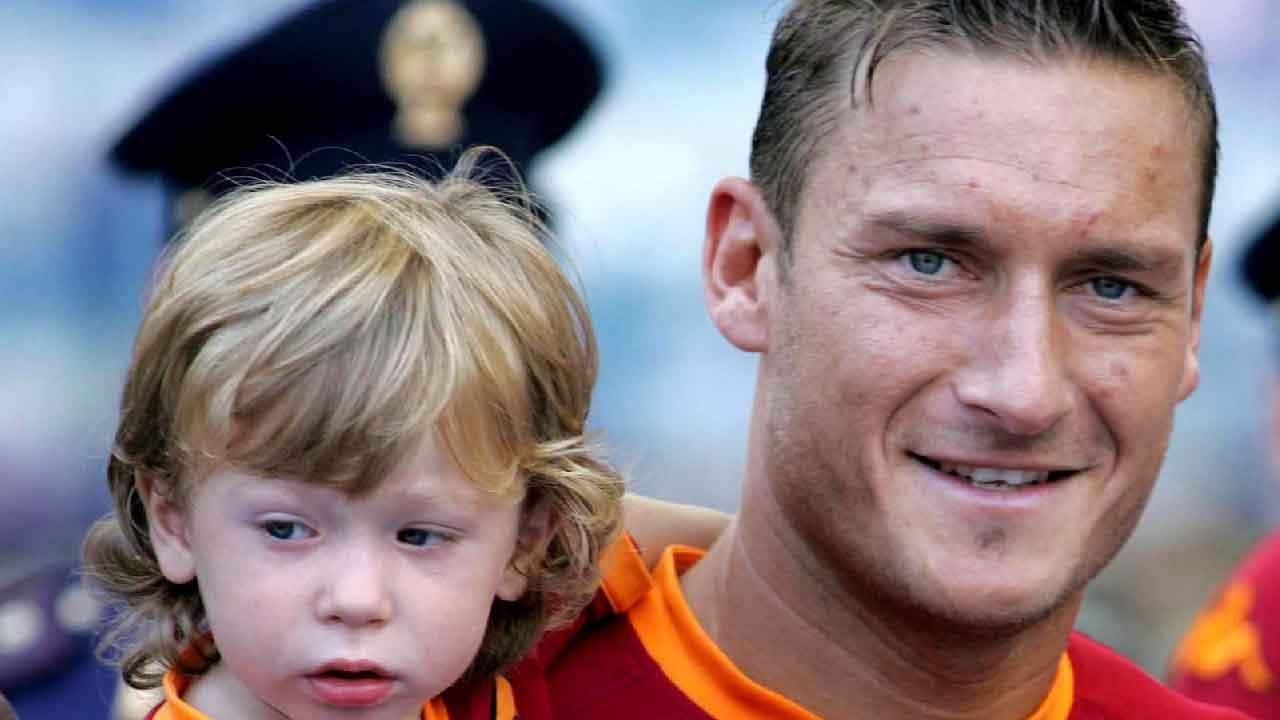 Totti, i tifosi si scagliano insultando Francesco e suo figlio Cristian (Getty Images)