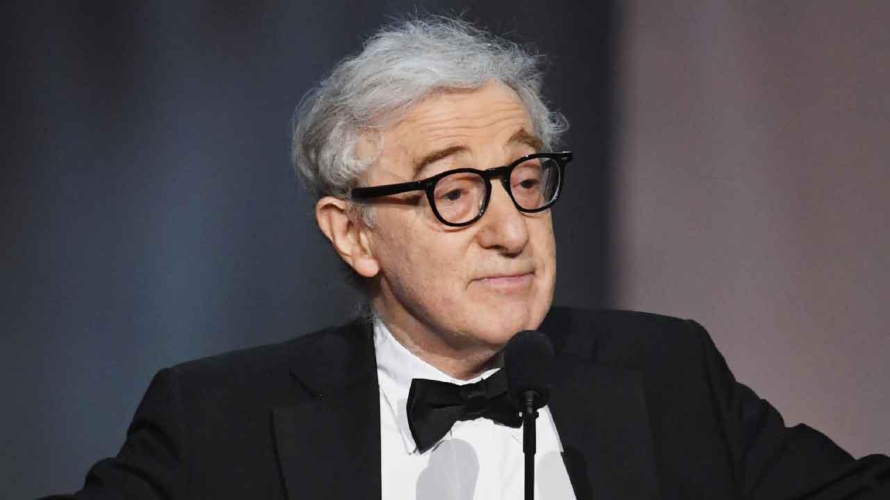 Woody Allen, l'autobiografia del regista e autore parla delle accuse subite da Mia Farrow (Getty Images)