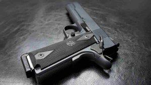 pisa, bambino si spara con la pistola del padre carabiniere