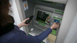 bancomat, novità prelievi contanti atm