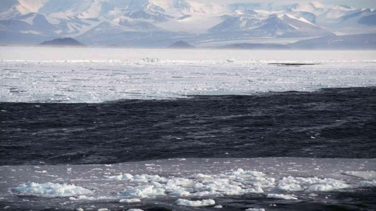 Allarme ghiacciaio Pine Island: continua a scivolare