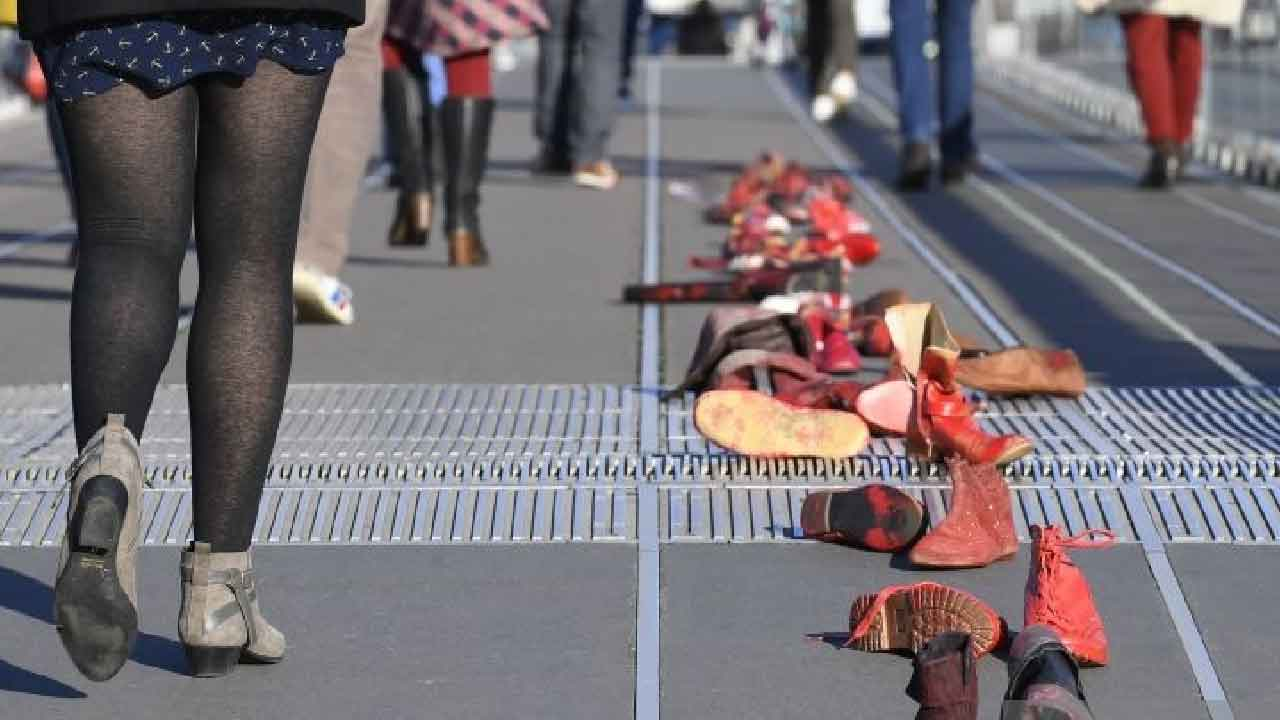 Femminicidio, una donna è stata accoltellata in una RSA in Alto Adige (Getty Images)