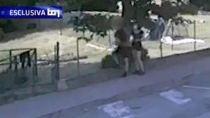 chiara gualzetti, il video dell'abbraccio con il killer