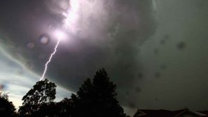 meteo, italia divisa tra temporali e caldo