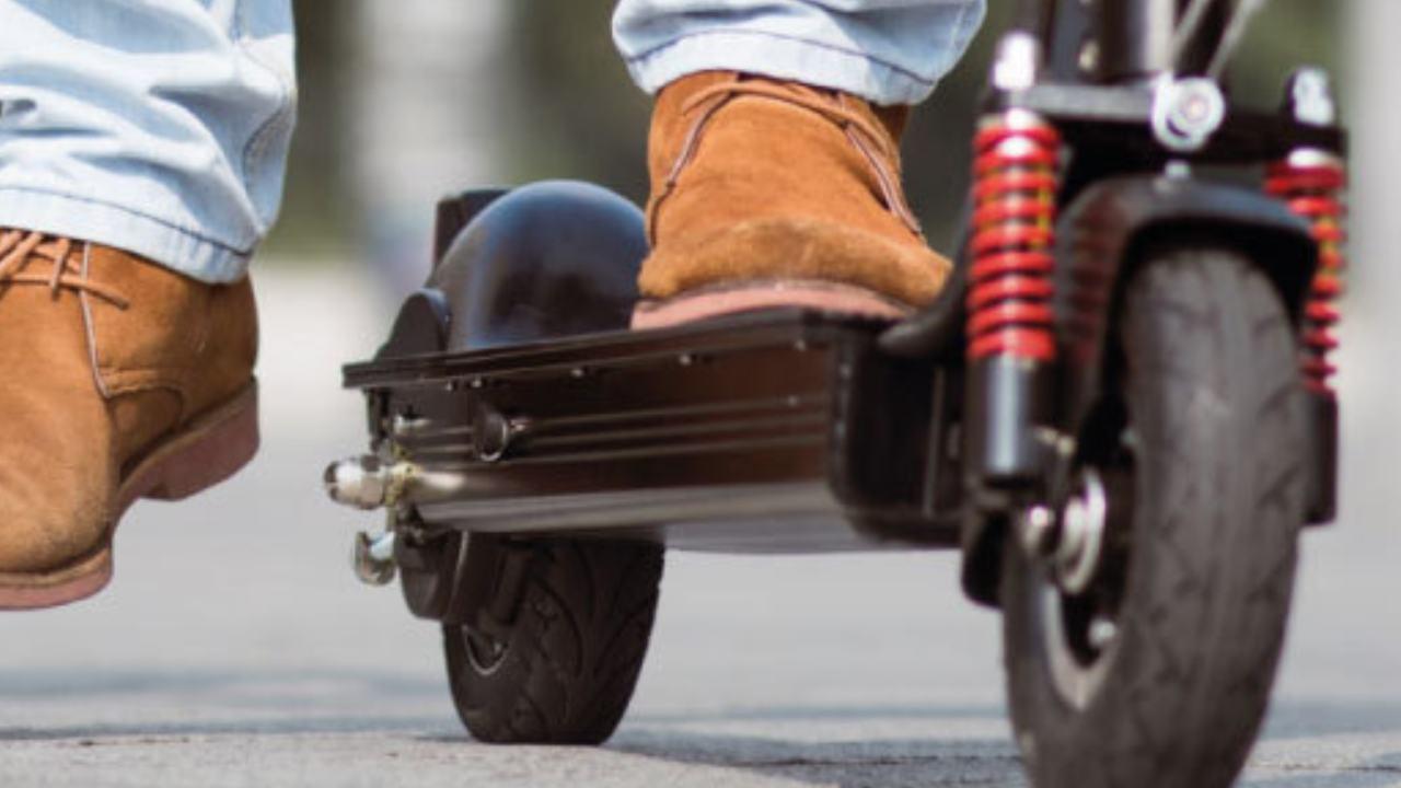 Scontro monopattino scooter