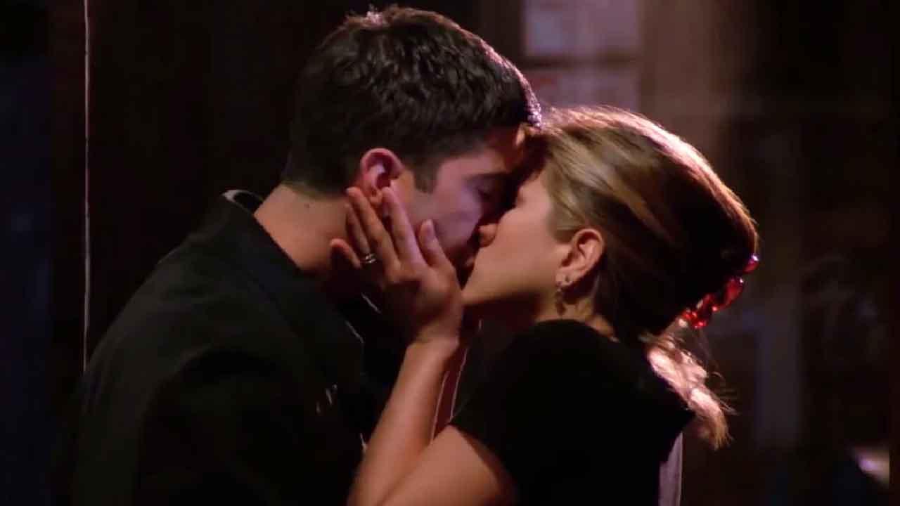 Friends, Rachel e Ross sono di nuovo insieme, nasce l'amore tra i due attori (Foto dal web)