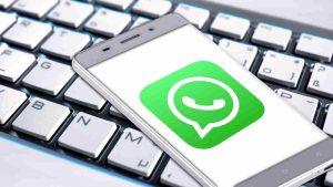whatsapp, presto le reazioni ai messaggi