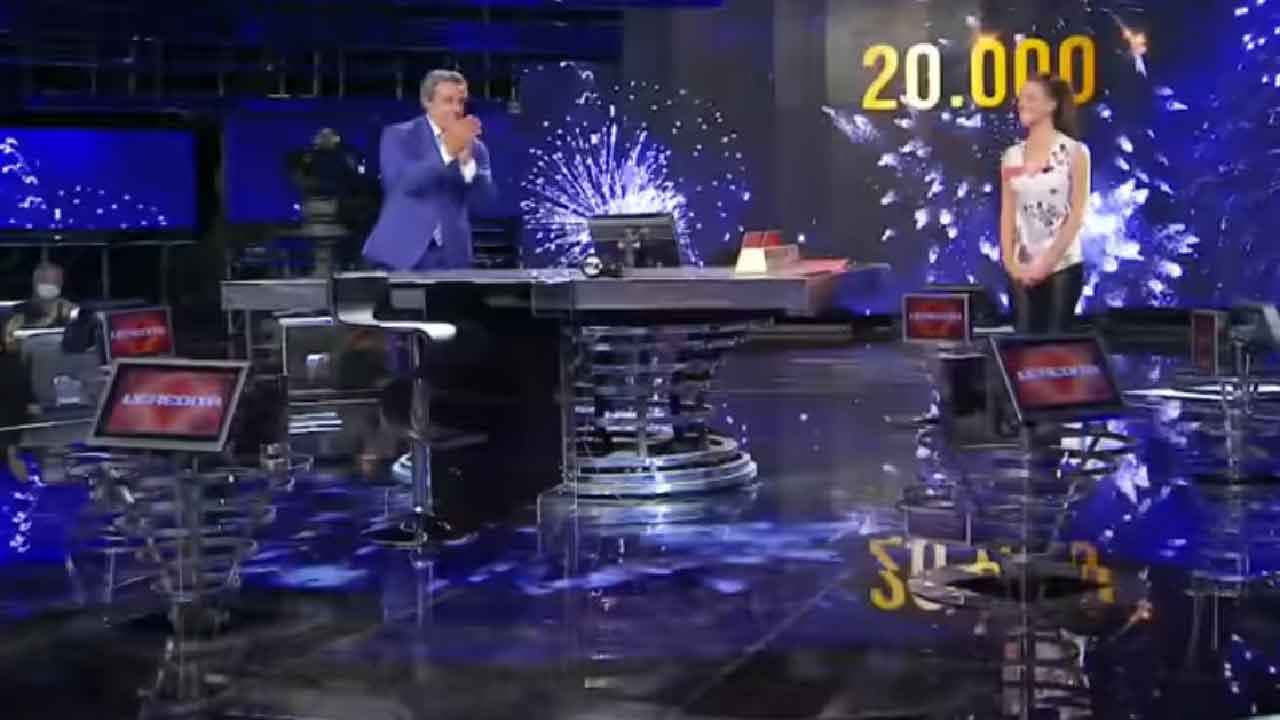 L'Eredità, vinti 20.000 euro dalla campionessa Francesca nella puntata del 3 Ottobre 2021 (Screenshot)